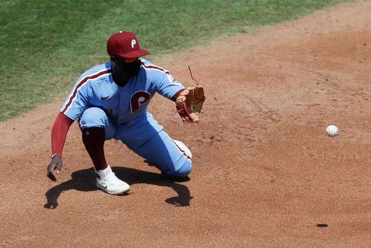 Didi Gregorius making a play at shortstop last August.