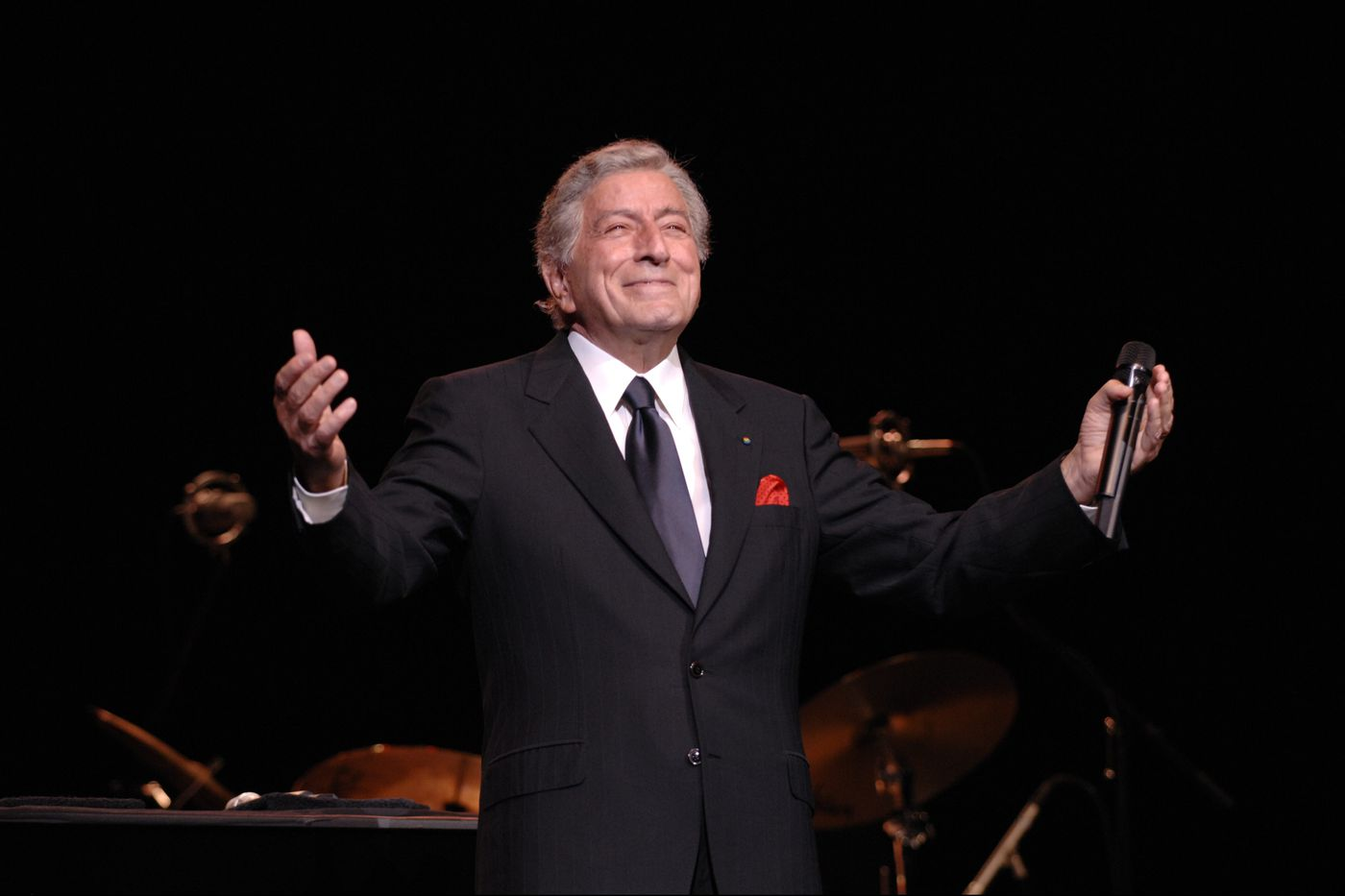 Tony Bennett, 92, plays to an adoring audience at the Academy of Music
