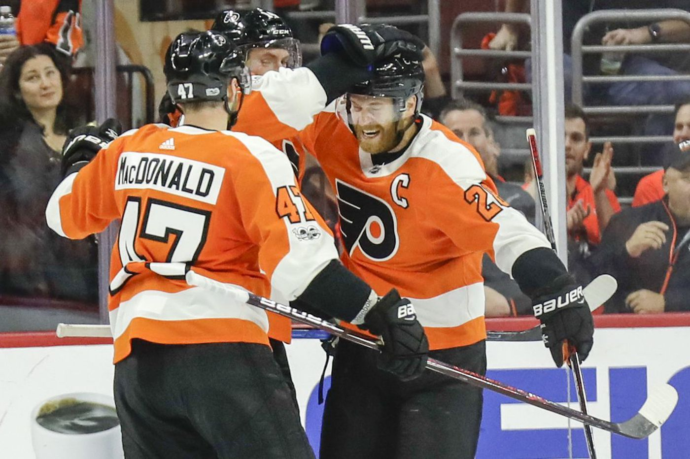 Flyers rout Capitals as Laughton, Couturier, Giroux net two goals each