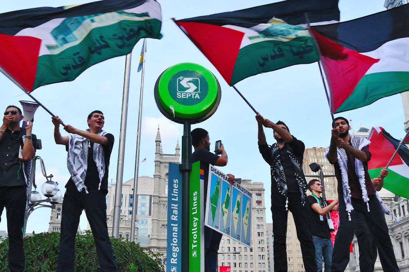 At LOVE Park, advocates for Israel, Palestine face off