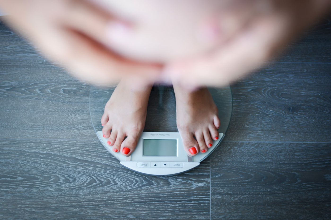 Should obese women try to control weight during pregnancy? Yes, but here's the catch.