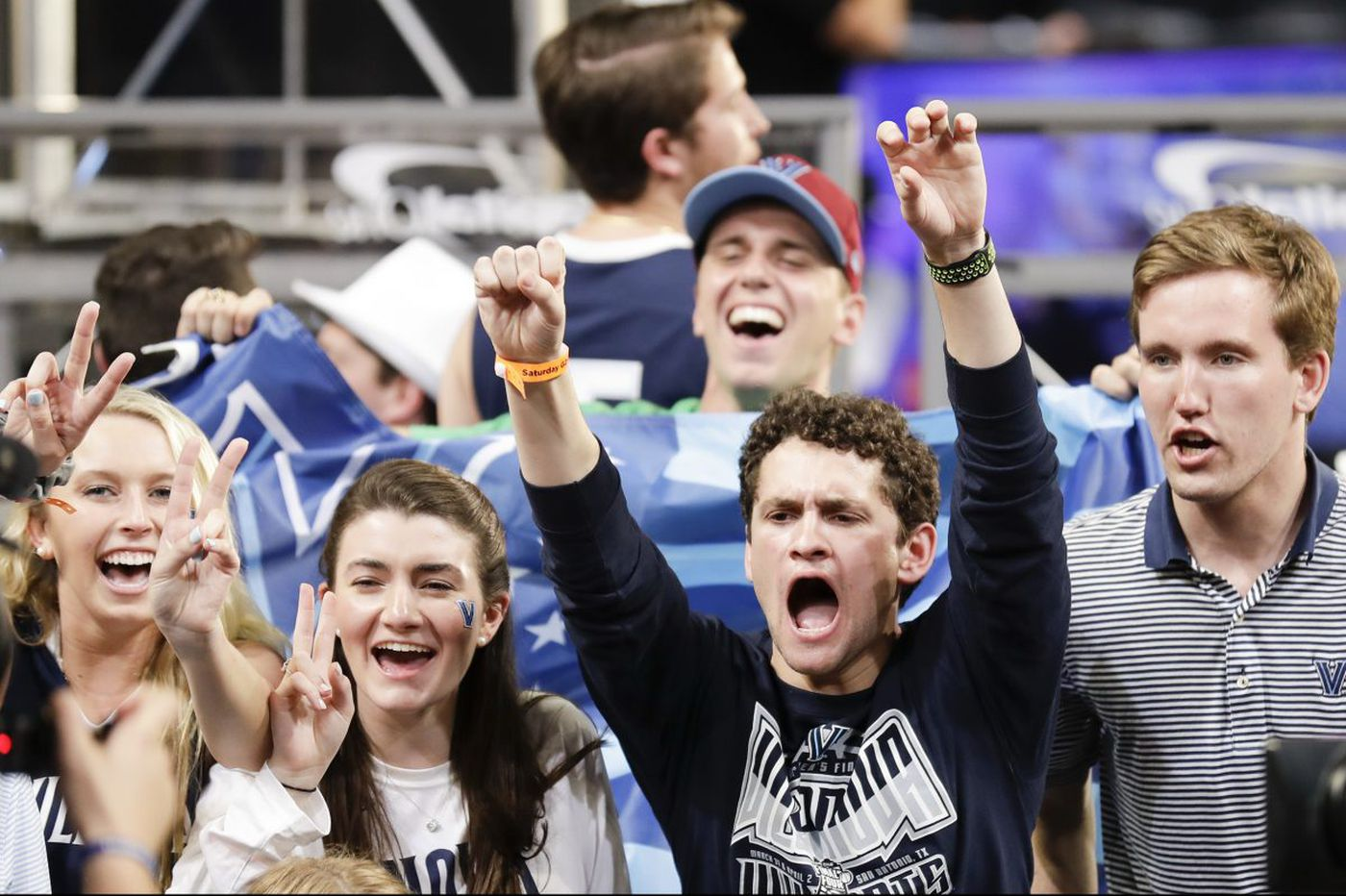 Sports Tonight: NCAA championship game details, what to read