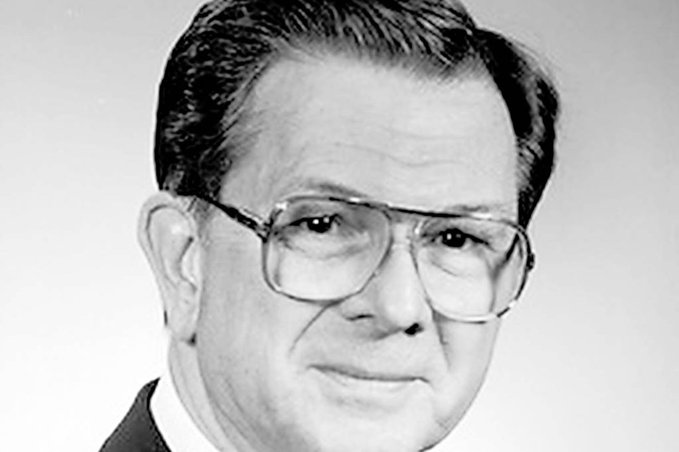 Gerald L. Gump, 88, former Barrington official