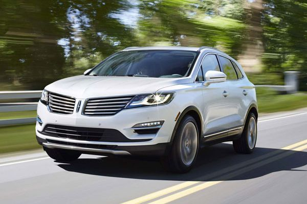 2015 Lincoln MKC packs luxury onto small frame