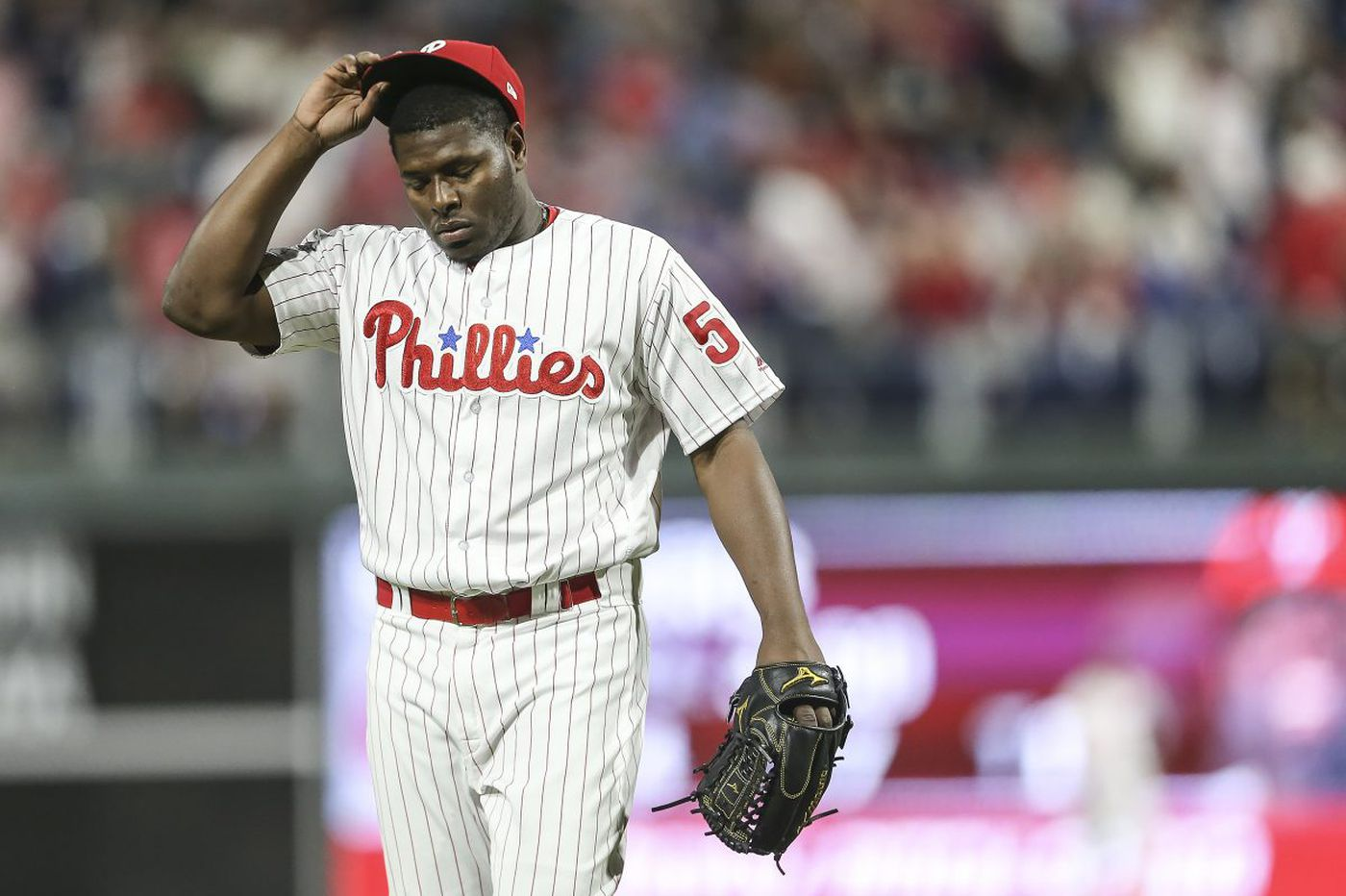 Hector Neris blows another save as Phillies fall to Mets