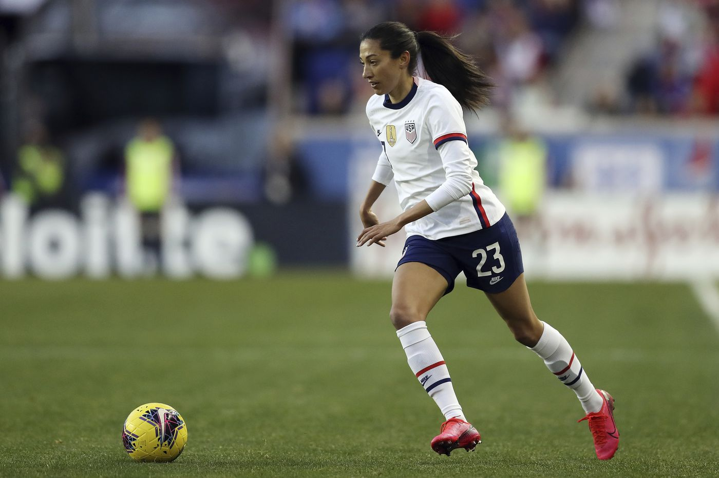 U.S. women's soccer confronts star players' embrace of England's fast-growing league