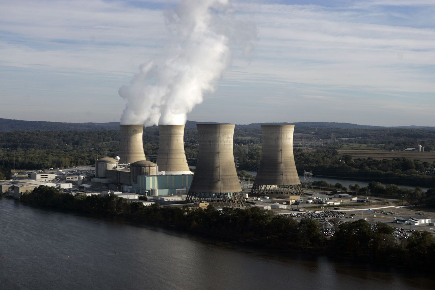 Three Mile Island reactor shutdown to start soon; Exelon says Pennsylvania nuclear rescue is dead