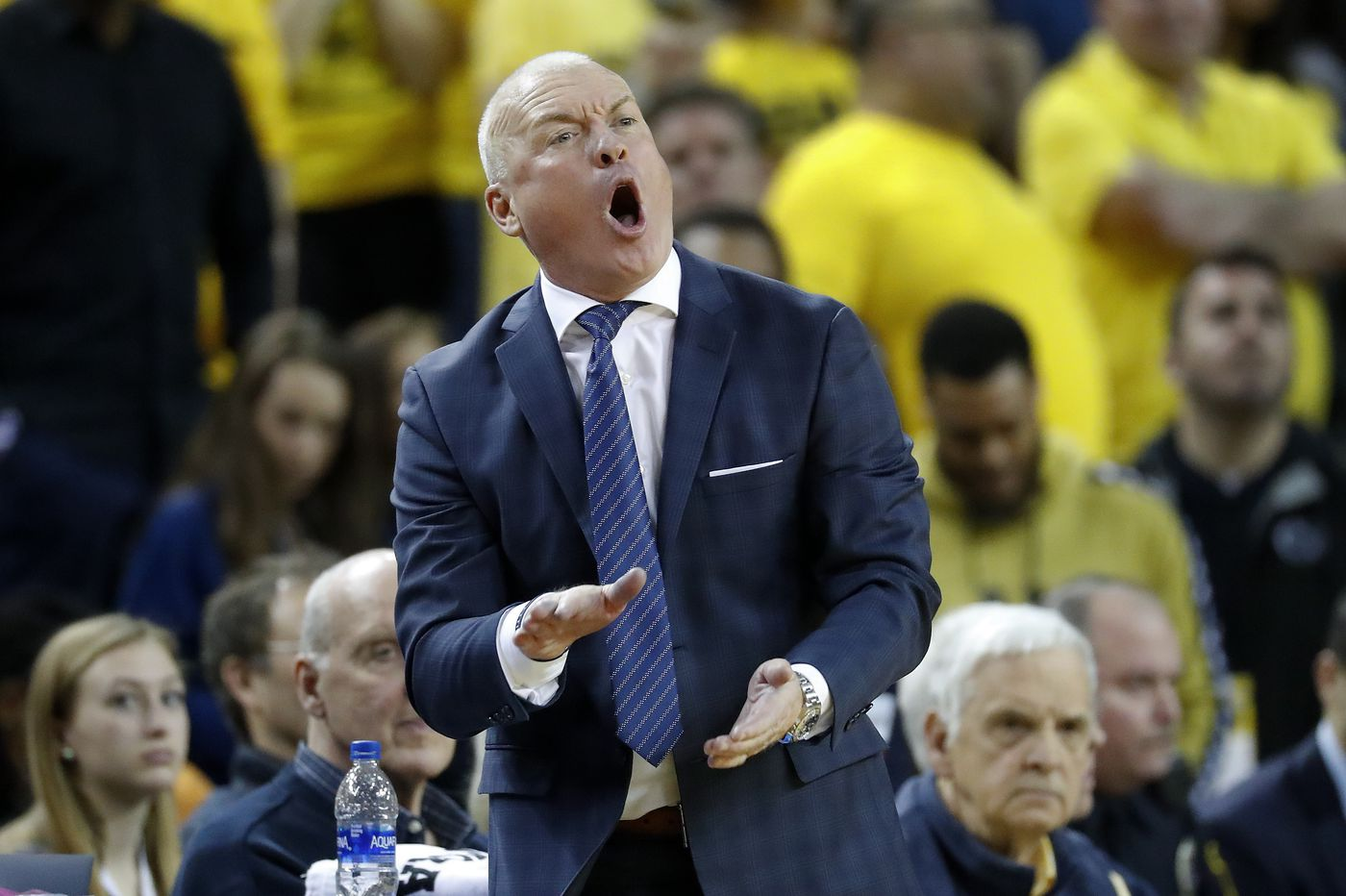 Penn State basketball coach Pat Chambers apologizes after appearing to shove Myles Dread