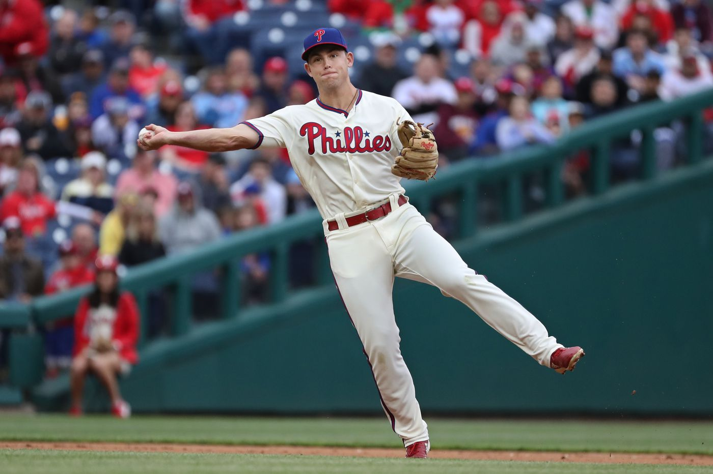 Phillies' Scott Kingery leaves Friday's game with hamstring issue just as team started finding ways to keep him in lineup