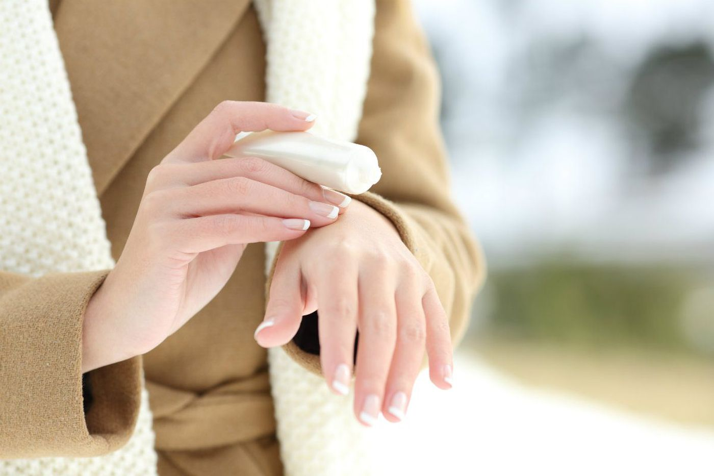 How to moisturize your dry skin, and care for your hair and nails when it's cold | Elizabeth Wellington