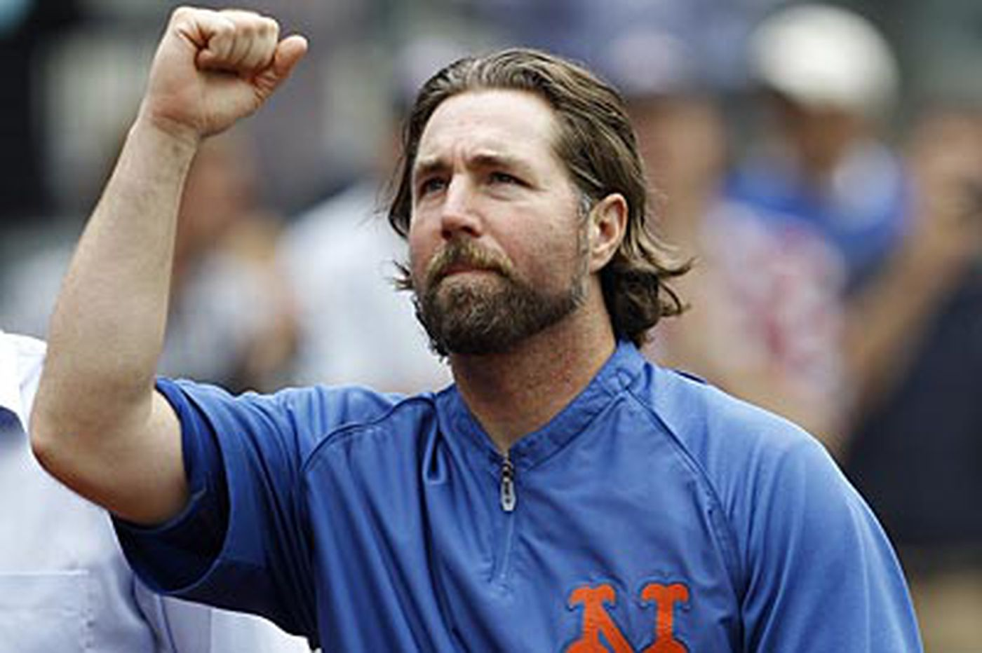 Baseball Notes: Mets, Jays reach deal on Dickey