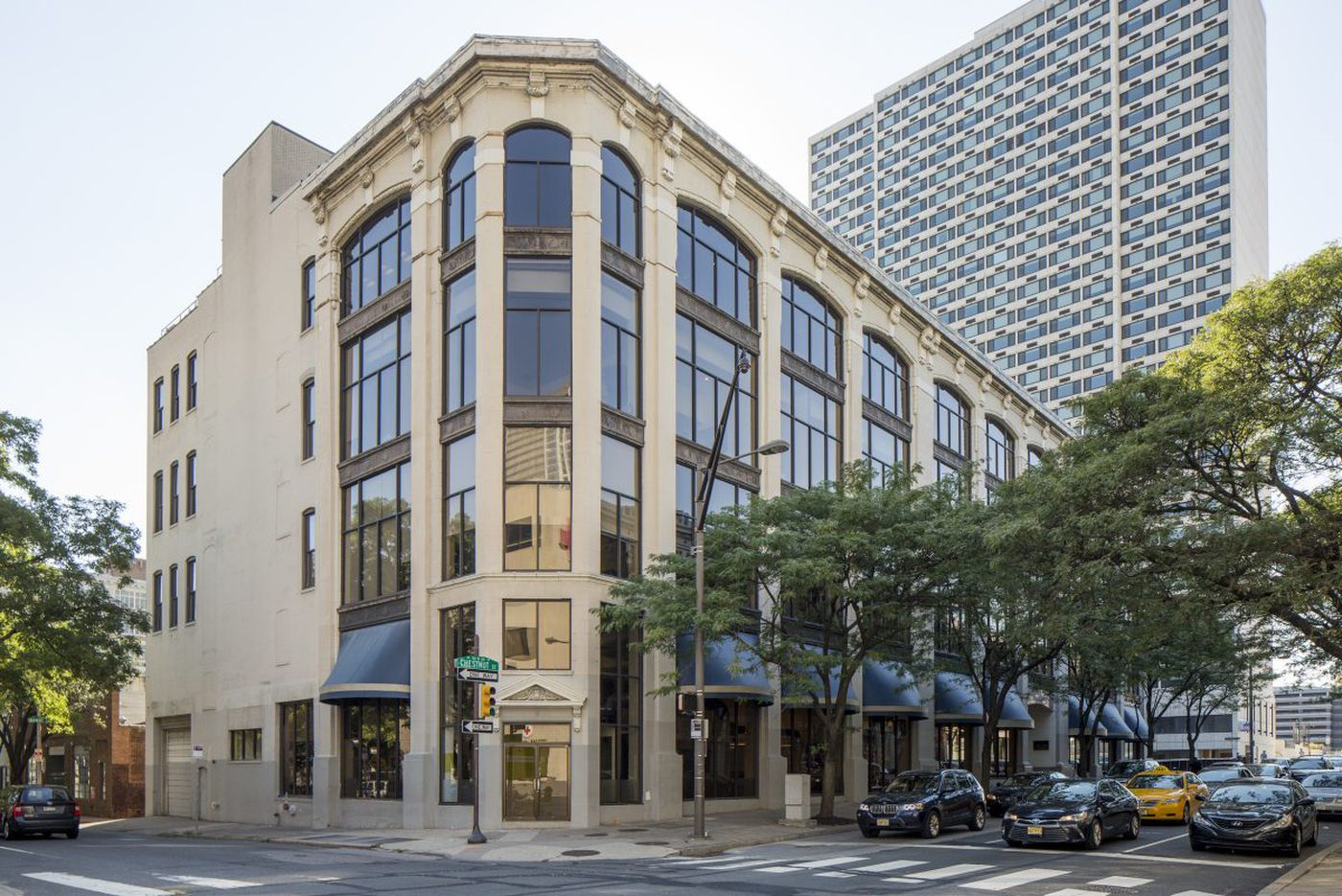 Office building housing Vanguard's Center City outpost sells for $28.8M