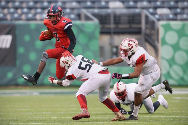 Chris Long, Au-Shaun Davis shine as Willingboro routs Penns Grove, snapping the Red Devils' 25-game winning streak