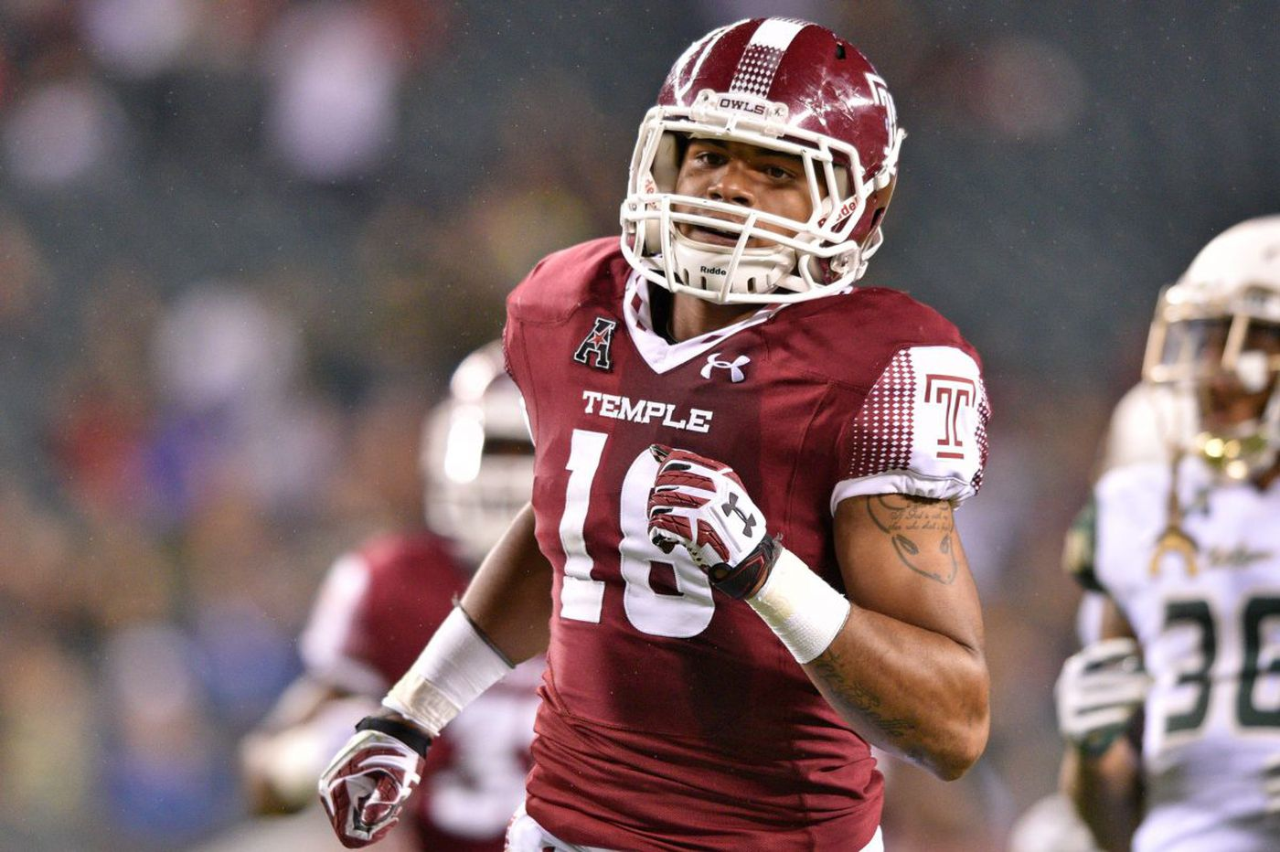 Temple's Shaun Bradley provides bulletin board material for Notre Dame