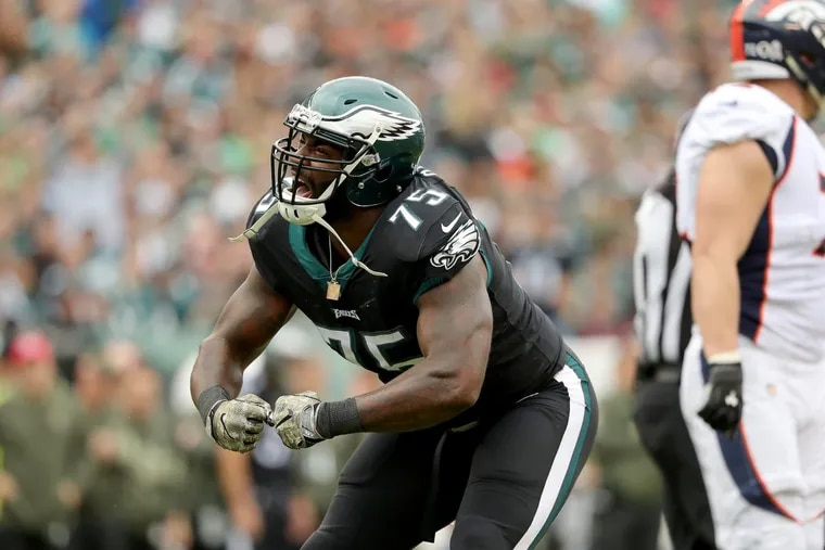The Eagles' Vinny Curry celebrates a first-quarter stop during the Eagles' victory Sunday.