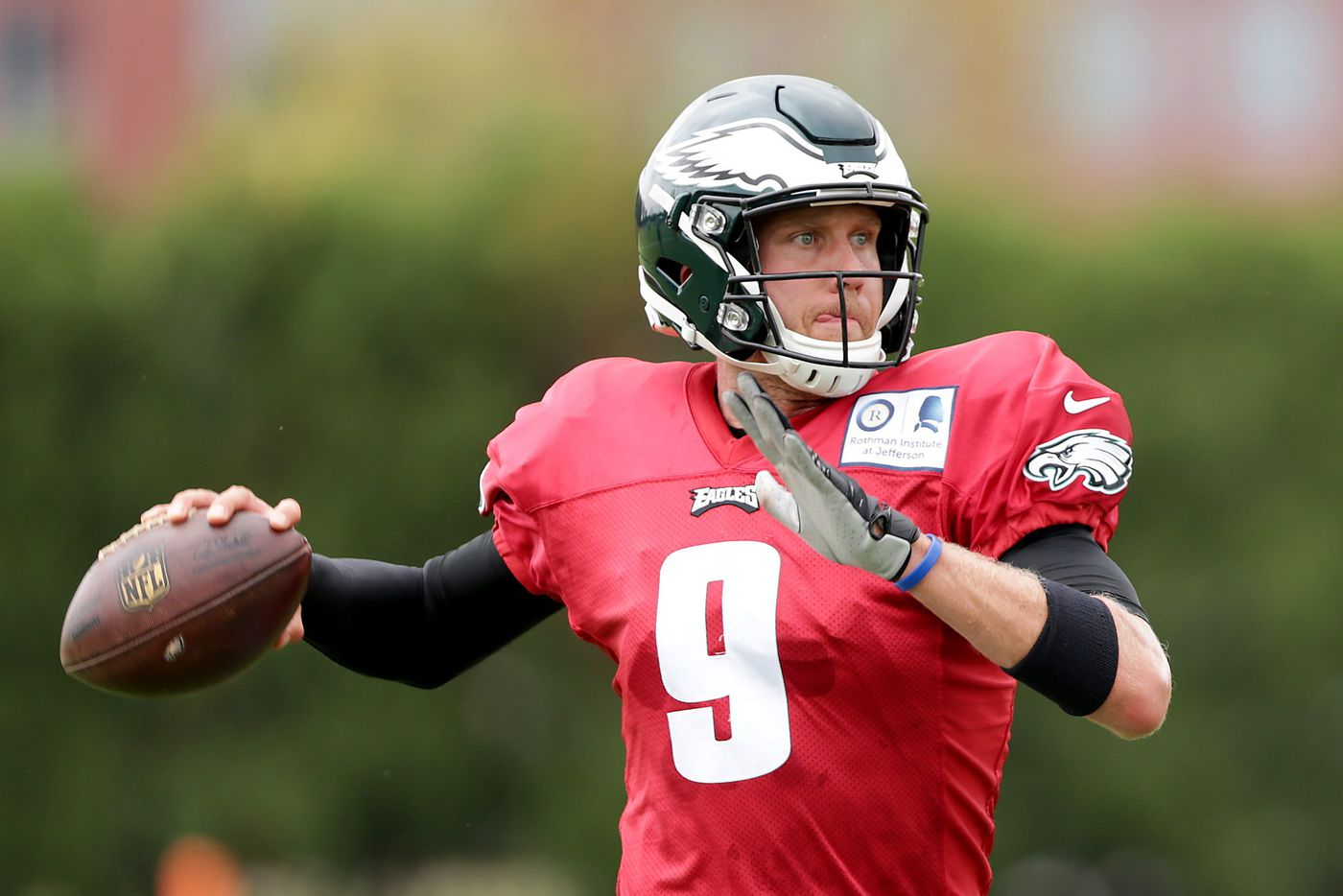 With Carson Wentz not cleared to play, Nick Foles is Eagles' starter for Week 2