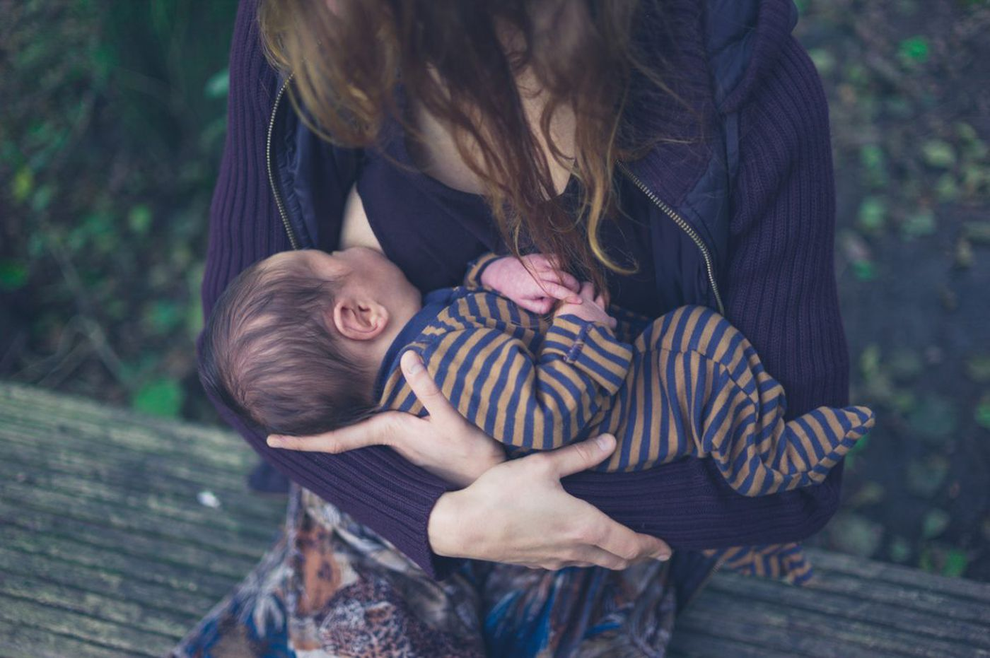 Tips for navigating travel when breastfeeding