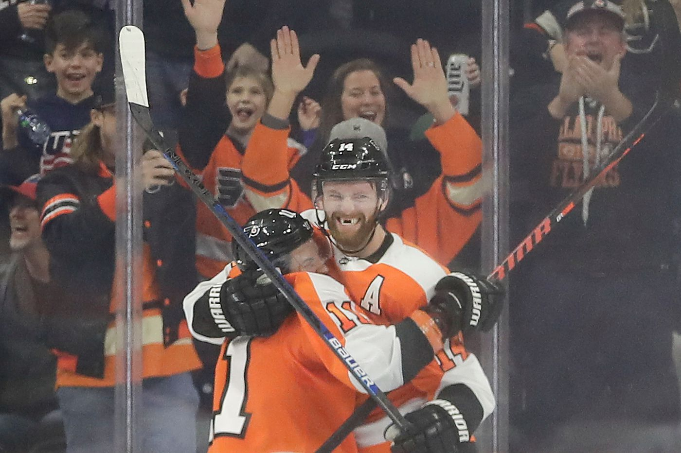 Flyers outlast Montreal, Carey Price, 3-2, on Sean Couturier's OT goal