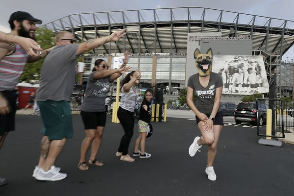 For euphoric fans at Eagles' first open practice, no more 'Wait until next year'