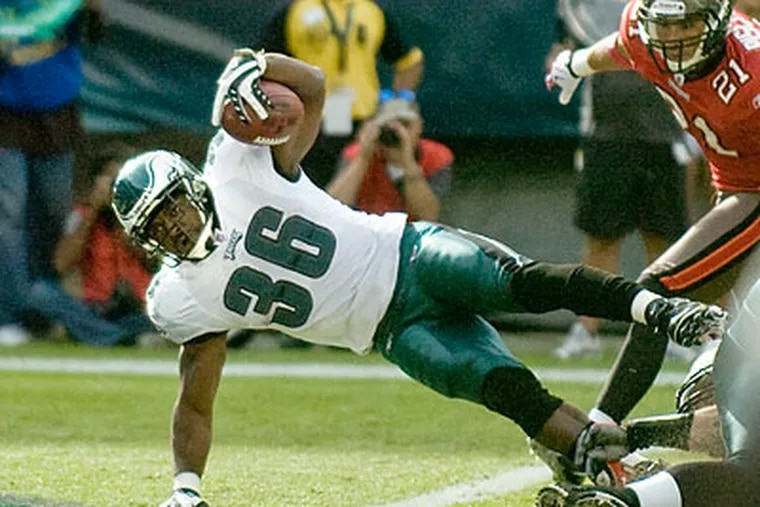 """""""I think I will show people that I can still play,"""" Brian Westbrook said.  (Clem Murray/Staff file photo)"""