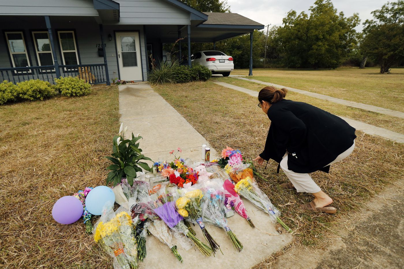 Atatiana Jefferson pointed gun at window before Fort Worth officer killed her, nephew told authorities