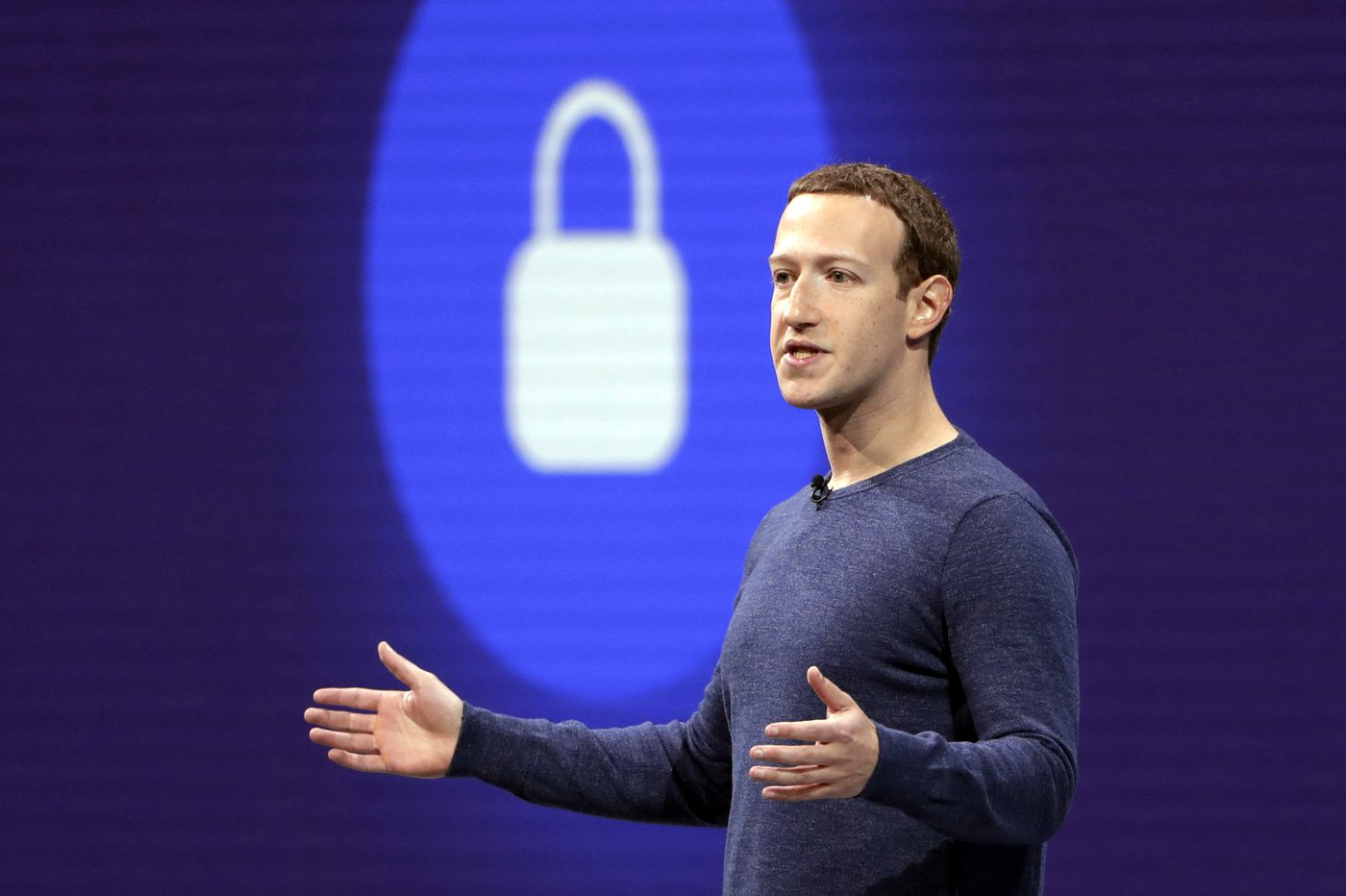 Federal Facebook investigation could hold Zuckerberg accountable on privacy, sources say