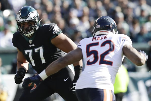 Eagles rookie Andre Dillard says switching to RT is like writing 'a big essay with your left hand'