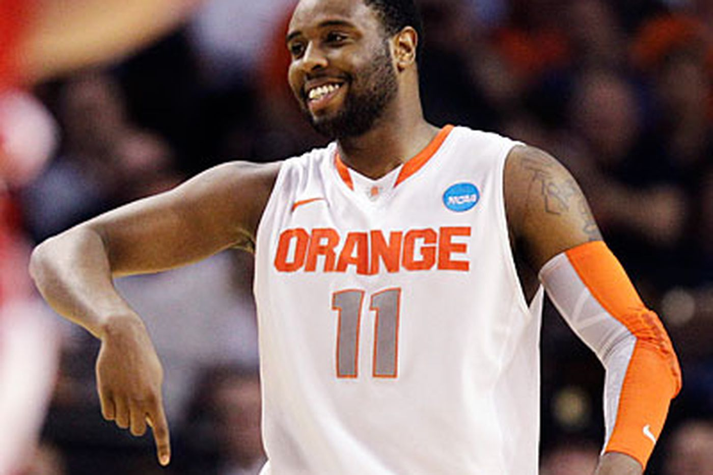 """South Philadelphia native and Syracuse product Antonio """"Scoop"""" Jardine works out for 76ers"""