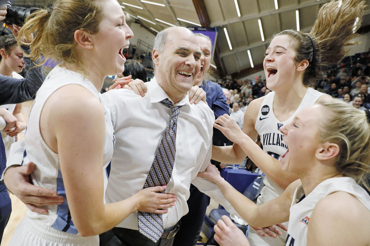 A storybook finale for Harry Perretta on Sunday at Villanova | Mike Jensen