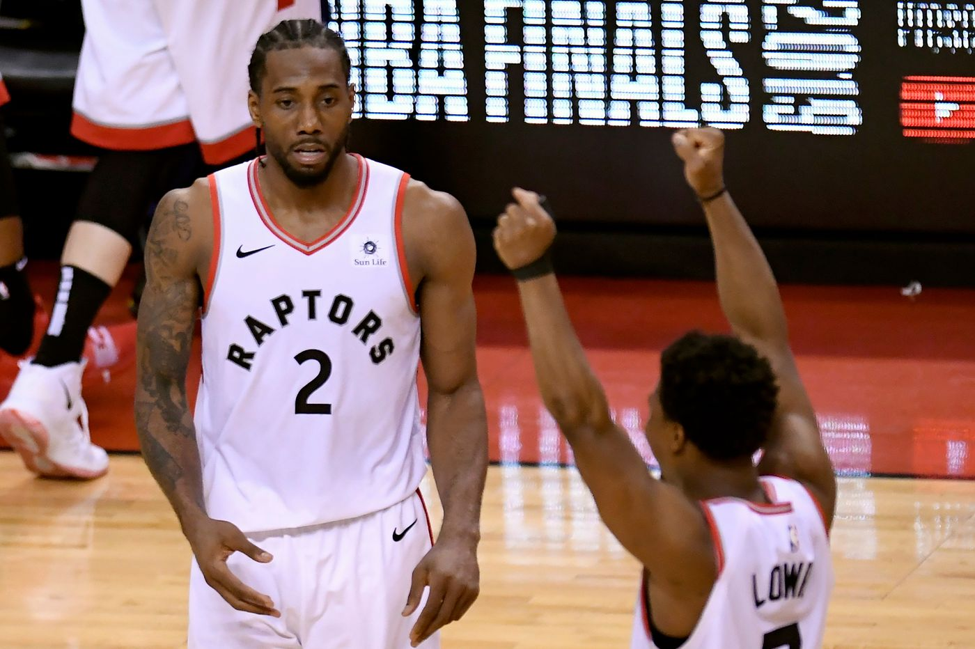 Sports betting: Vegas Vic handing out a couple of props for Game 1 of the Warriors-Raptors