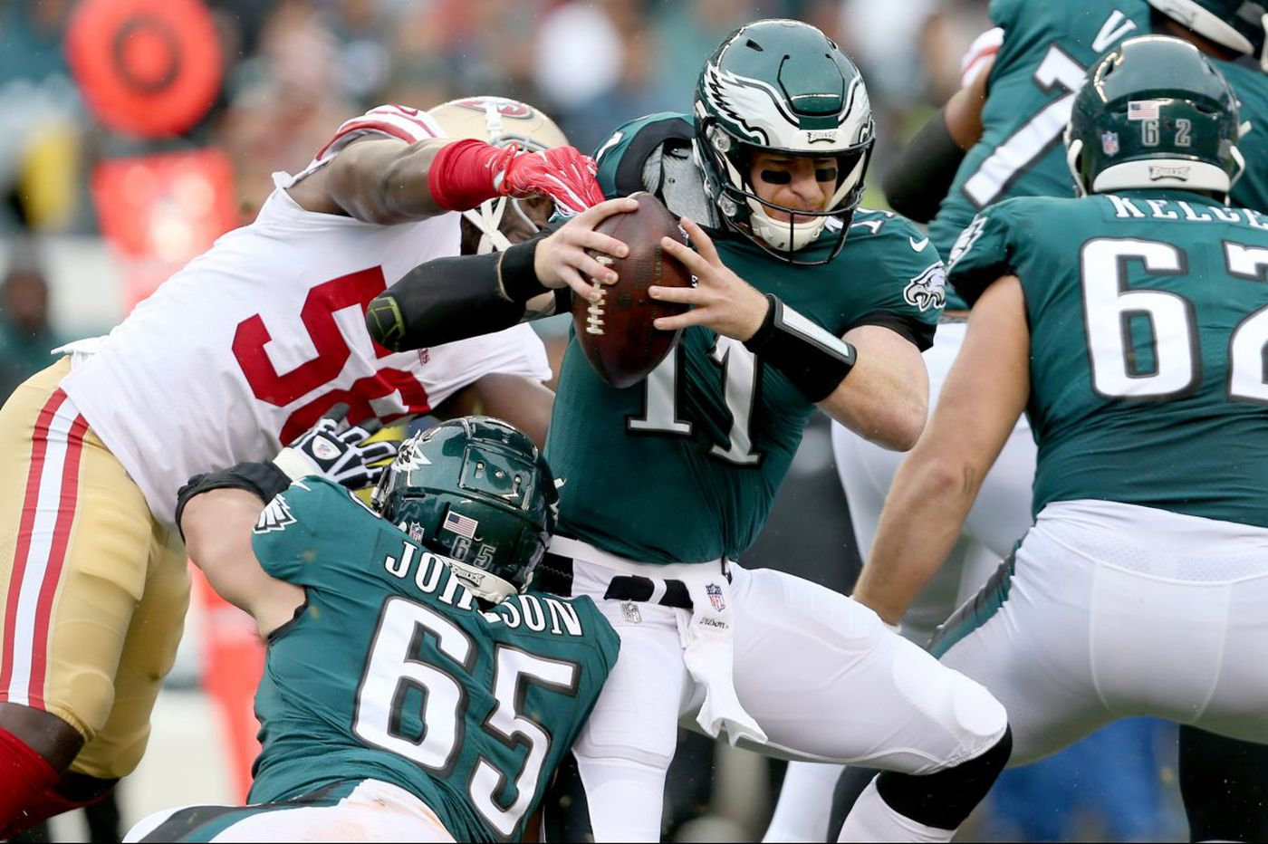 Eagles offense survives mortal Carson Wentz performance