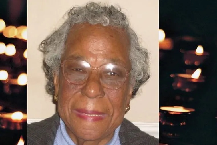 Helen Clowney, who was block captain for the 2200 block of N. Woodstock for 50 years, a dedicated youth leader at her Catholic Church and a community advocate, died Sept. 23 at age 94.