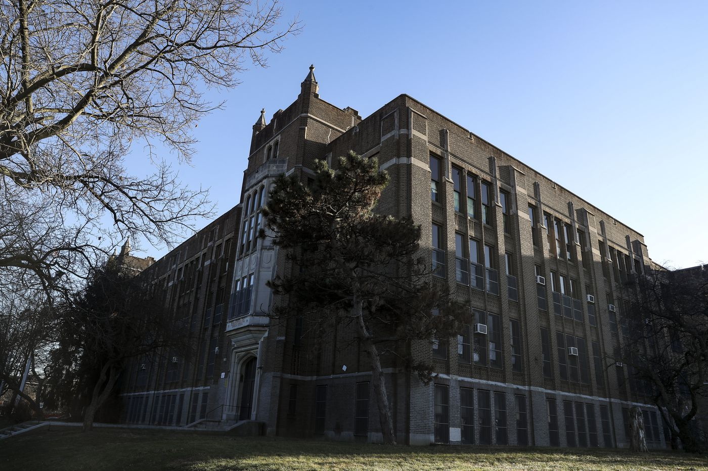 Philly elementary school to remain closed for asbestos cleanup