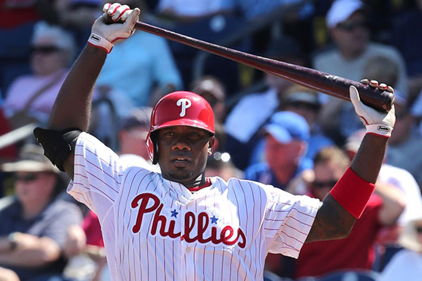 Phillies' Howard wallops his first HR of spring