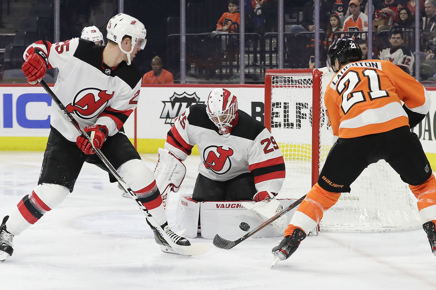 Flyers play a clunker and are manhandled by lowly New Jersey Devils, 5-0