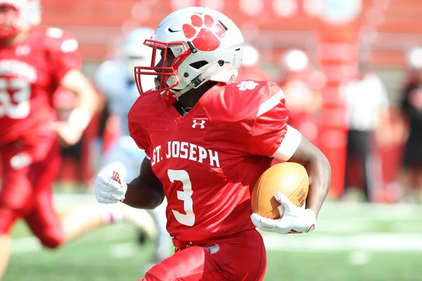 Football recruiting: St. Joseph running back Jada Byers wants respect from college coaches
