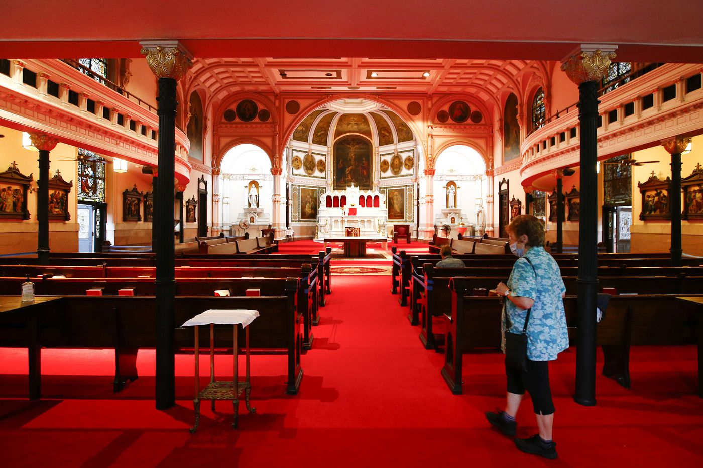 At Philly Catholic churches, secret renovations expose rift between traditional and Neo-Catechumenal members
