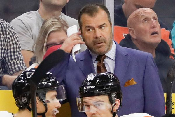 New Flyers coach Alain Vigneault, an energized hockey lifer, gets a chance to deliver in Philly