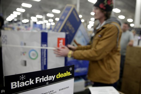 Black Friday shopping scams? Tips to avoid rip-offs and still get the best price.