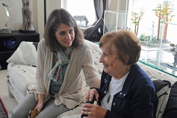 Listening to love: Doctor uses seniors' stories to improve care