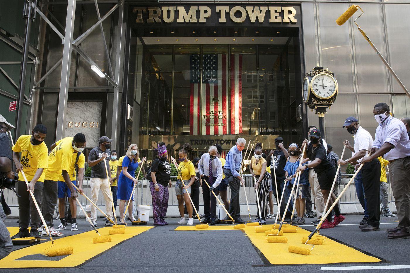 New York City Mayor Bill de Blasio helps paint 'Black Lives Matter ...
