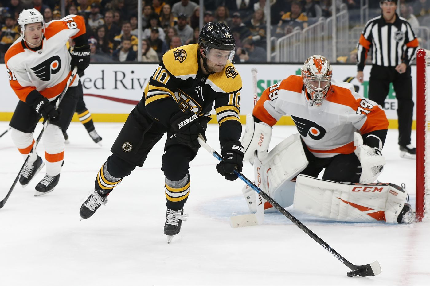 The Flyers have an unfamiliar edge on opponents. Carter Hart's brilliant night against the Bruins proves it. | Mike Sielski