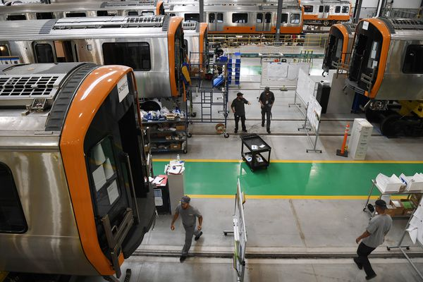 Deal on new rail cars embroils SEPTA in U.S. suspicions of China manufacturer