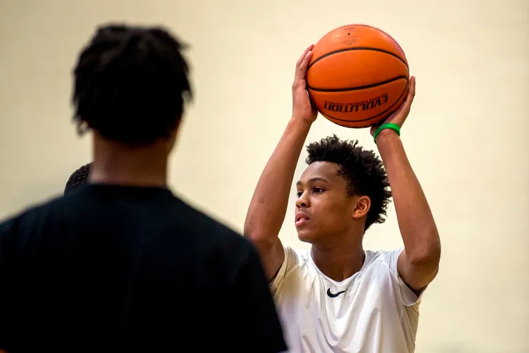 DJ Wagner is the son of former NBA player Dajuan Wagner and grandson of former NBA player Milt Wagner.