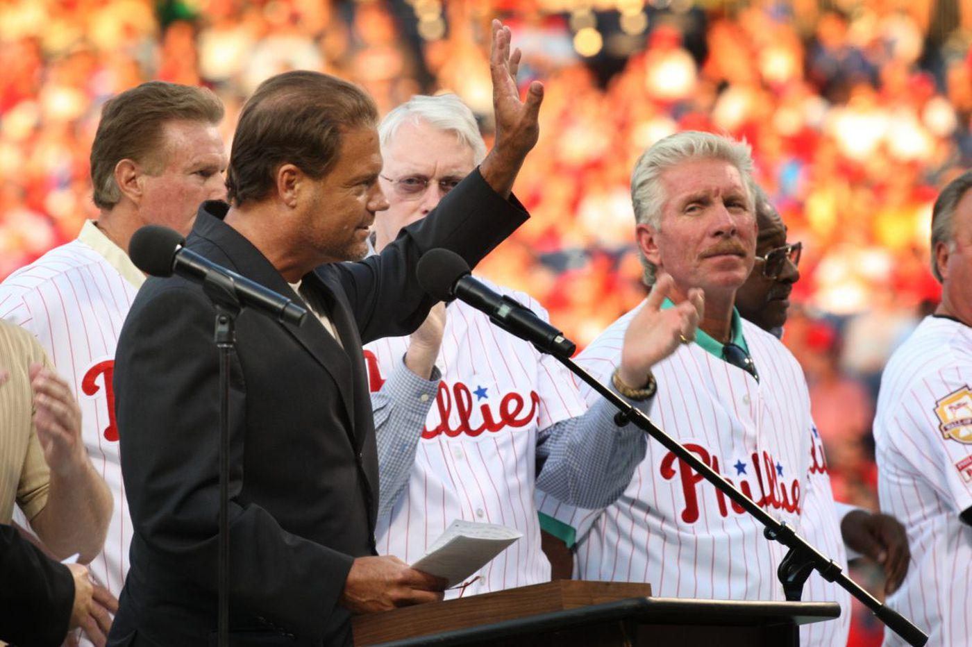 Mitch Williams remembers Darren Daulton as 'Captain of our chaos'