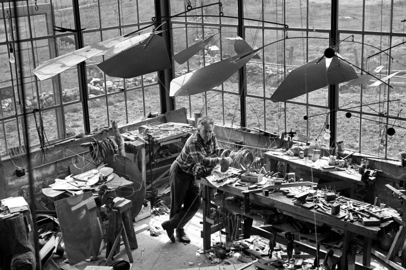 New Alexander Calder book puts Philly-linked sculptor among the 20th-century greats