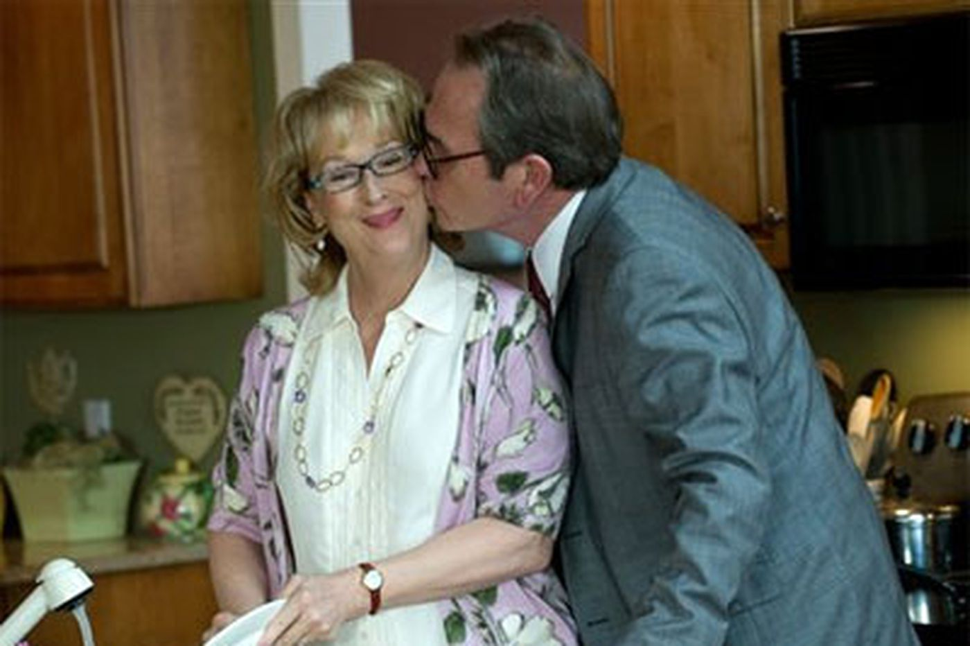 'Hope Springs': Few laughs in Streep, Jones romcom