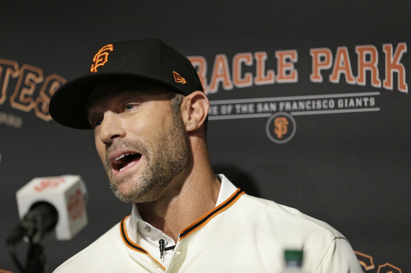 Gabe Kapler forced to defend managerial record, handling of 2015 incident with Dodgers in introductory grilling as Giants manager