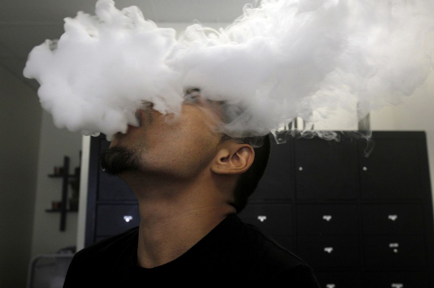 Vaping is blamed for mounting deaths, lung injuries. Here's what it's doing to kids' brains.