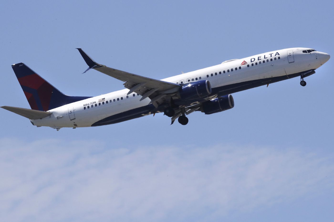 Delta says shutdown is costing $25M in January revenue